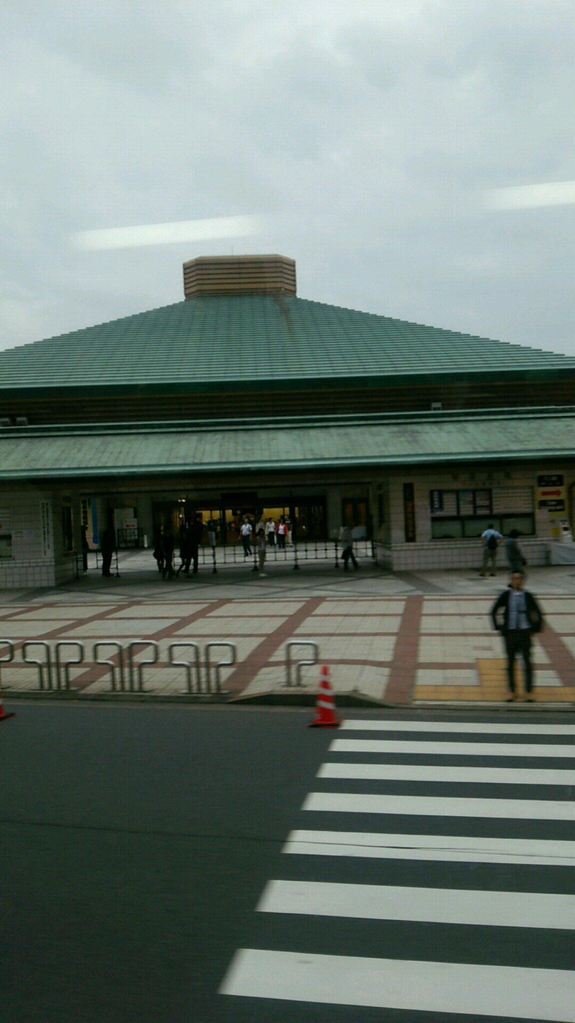東京ドーム、ルミネtheよしもとへ